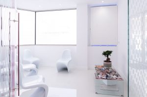 sala de espera clinica dental en leon